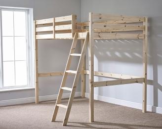 Высокая деревянная кровать-чердак